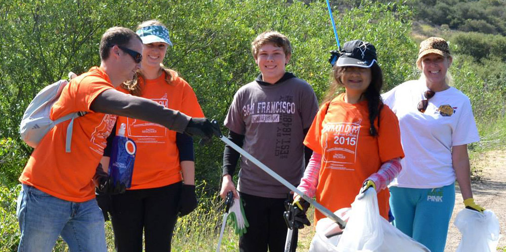 Volunteers at Mesa College Canyon Day