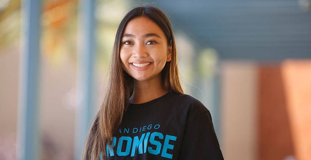 A student wearing a San Diego promise t-shirt